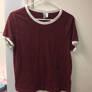 Maroon short sleeve t-shirt